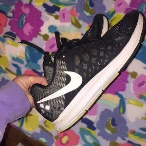 e5a940d27f2 Nike Shoes - Black   White Nike Zoom Pegasus 31🚦